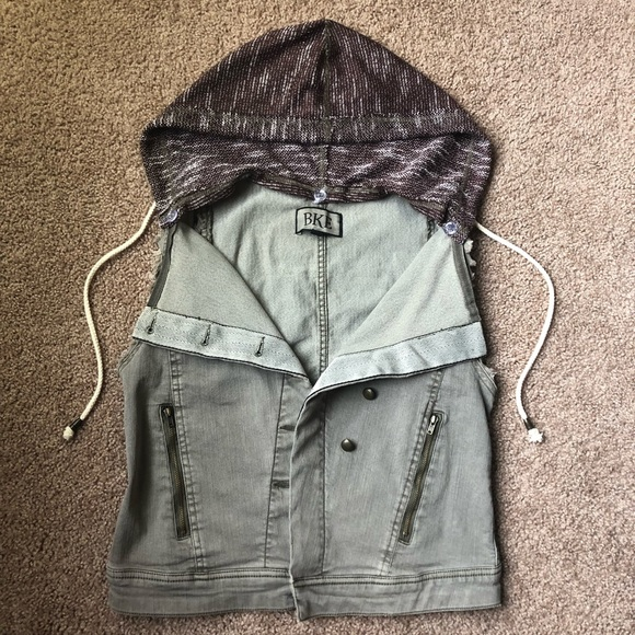 BKE Jackets & Blazers - Buckle BKE Vest Olive Jean Hood Medium Asymmetric